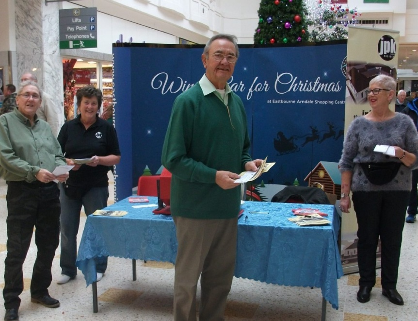 Christmas-Car-Raffle-Arndale